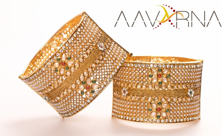 While Indian culture is stemmed from its inherent co-existence with nature and its forces, bangles are no exception to it. From the colors to the shapes it was reflection of the understanding of nature and harmonious relationship with it.   #bridesmaid #indianwedding #wedding #jewelry #bollywood #indianfashion #shaadi #indianbride #hindubride #bollywoodfashion #indianfashion #bangles #kada #bridalwear #aavarna #southindianfashion