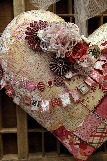 The detail in this heart is stunning - see the link for more pics