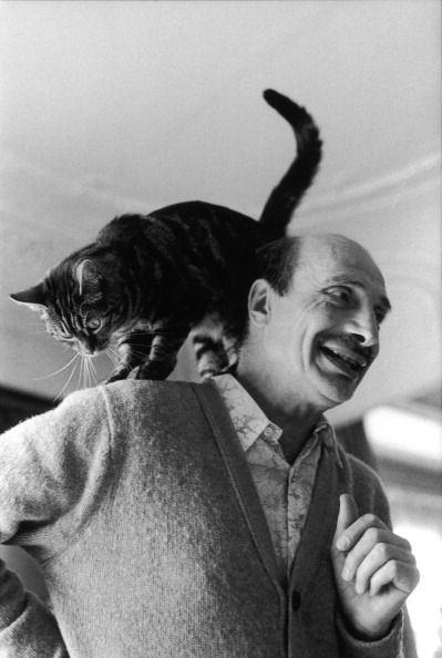 Edouard Boubat with his cat (Marc Gontier, 1984)