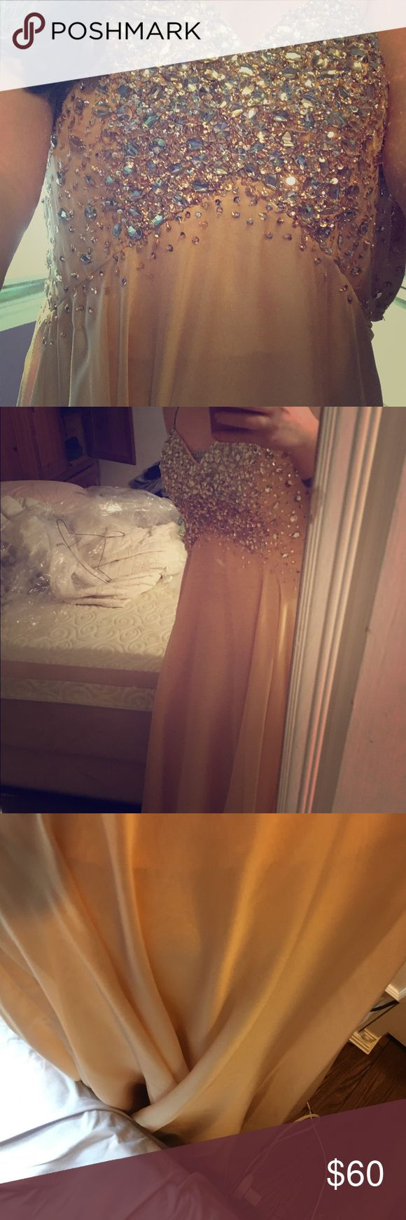 Prom dress Peachy orange very pretty sparkly and bedazzled up top slit on side and very flowy at bottom clarisse Dresses Prom