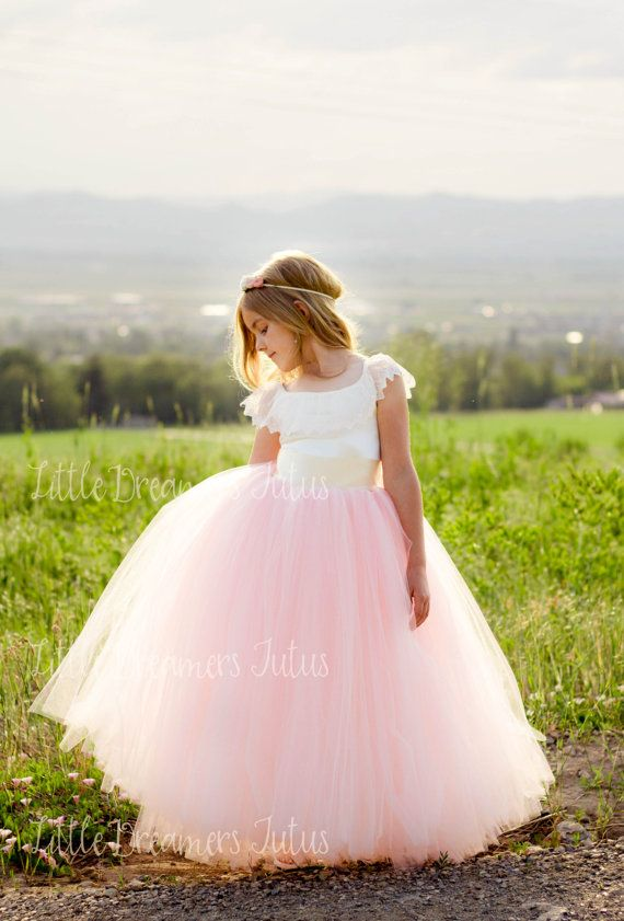 Nuevo El vestido de Everly en marfil y rosa por littledreamersinc