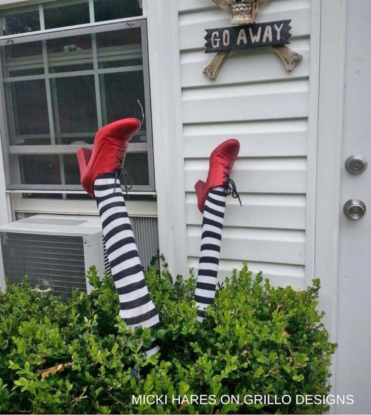 33 Erstaunlich kreative Halloween Haustür Dekoration Ideen