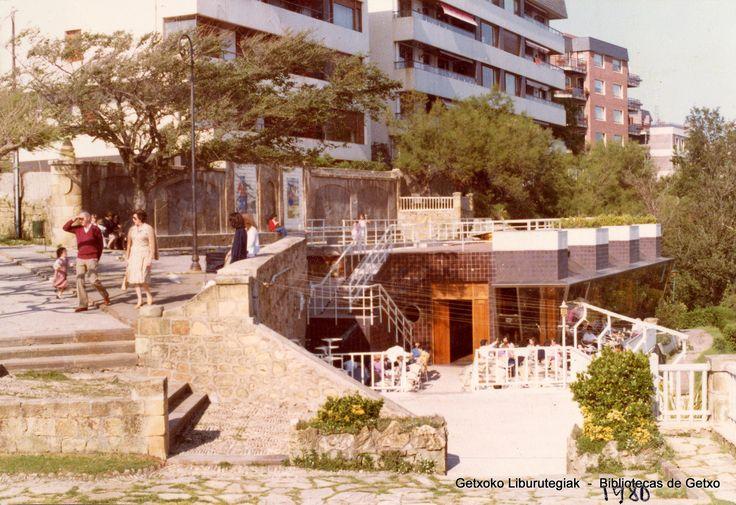 Cafetería Usategi, 1980 (Colección Daniel Zubimendi) (ref. Z00192)