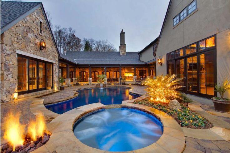 Les 24 meilleures images du tableau spas sur pinterest for Courtyard designs with spa