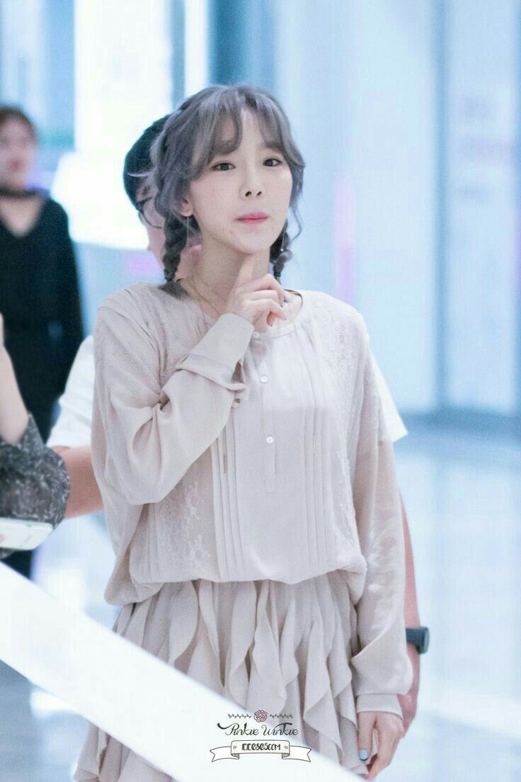 snsd taeyeon girls generation Fansign kpop fashion girls