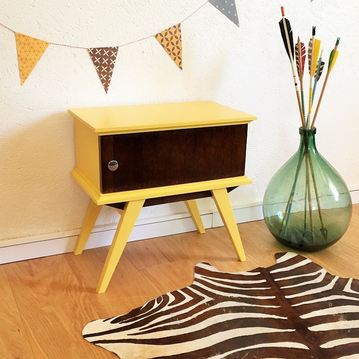 Table de nuit jaune vintage relooking meubles for Table de nuit anglais