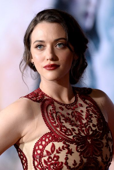 Kat Dennings Photos: 'Thor: The Dark World' Premieres in Hollywood — Part 3