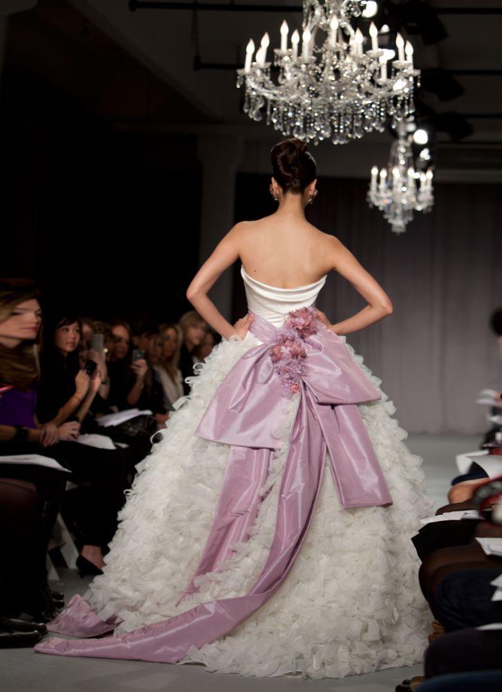 Priscilla of Boston Platinum prezzo 9.975 dollari - Foto da dev.fashionablebride.com