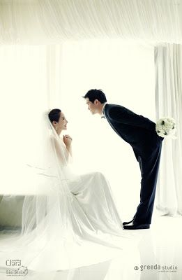 Now I just realized that korean wedding shooting skill is that PREFECT & NICE! Recently, the famous artist, Kim Sunghee revealed her wedding...