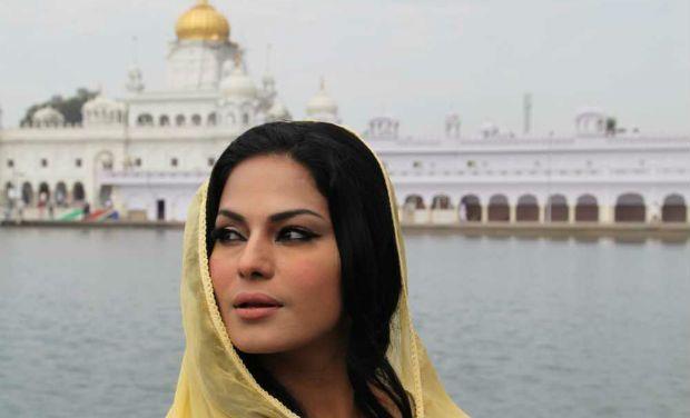 Pakistani actress Veena Malik gets divorce , http://bostondesiconnection.com/pakistani-actress-veena-malik-gets-divorce/,  #PakistaniactressVeenaMalikgetsdivorce