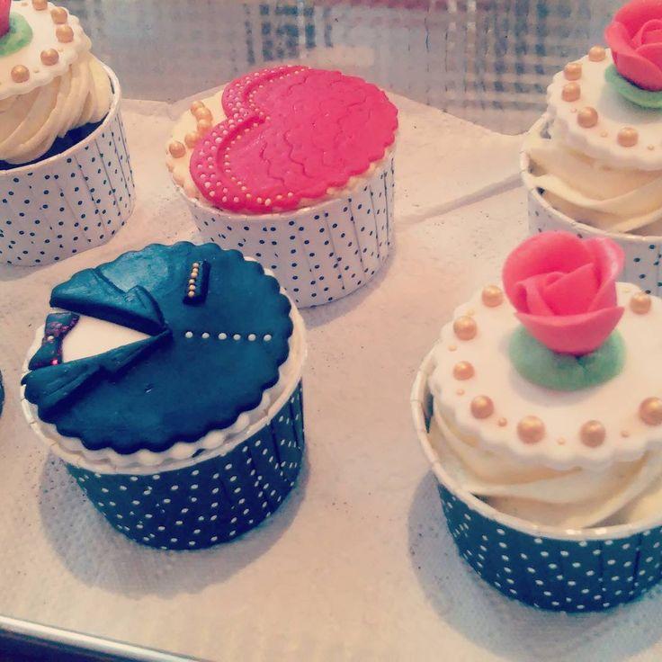 #weeding #cupcakes #paramloda #dlarodziców #friday #chilloutzbabeczkami #tortbabeczkowy #babeczki