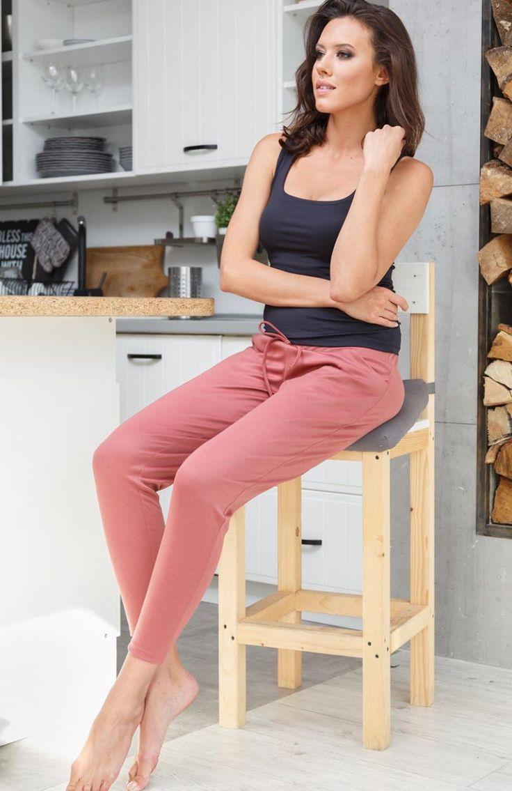 Lapasi L033 spodnie kakaowy Rewelacyjne spodnie, wykonane z gładkiego materiału, fason doskonały na co dzień