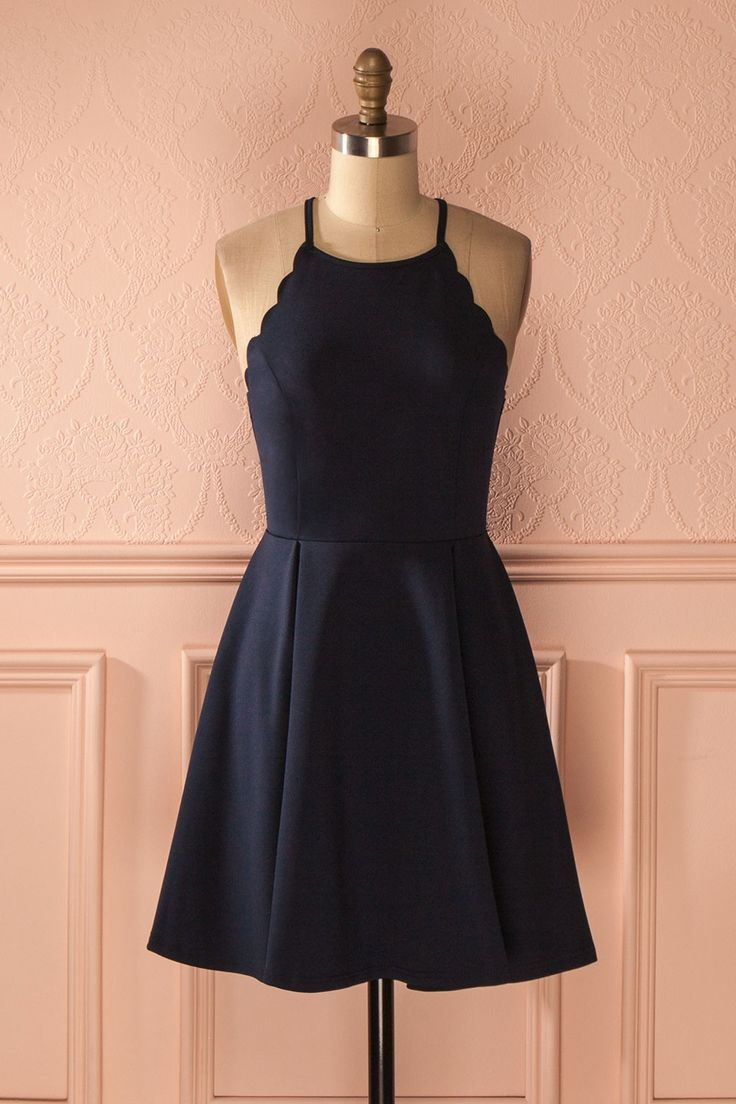 Robe de fête bleu marine bordures festonnées - Scalloped edges navy cocktail dress