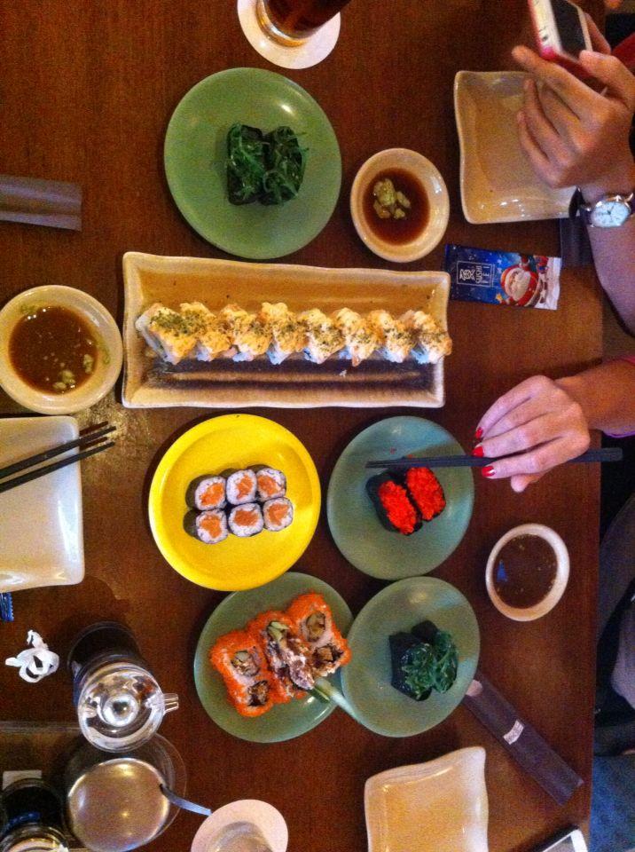 Sushi life. Thank God im full