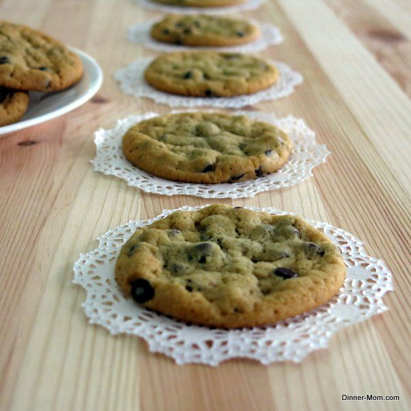 Perfect Vegan Chocolate Chip Cookies and Tips | www.dinner-mom.com | #vegan #cookies