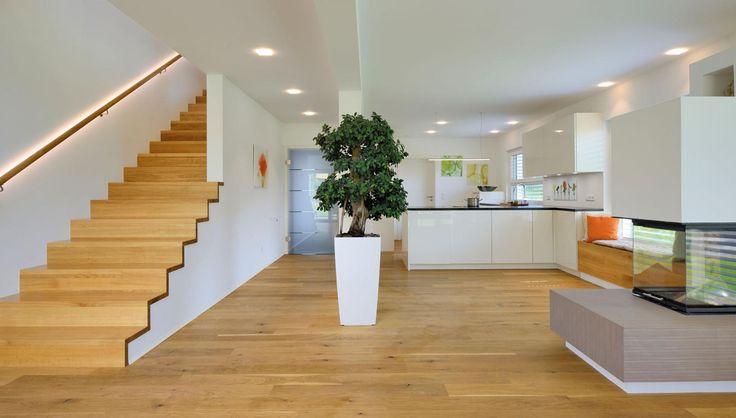 Haus FUTURE Mannheim - Treppenaufgang - Fertighaus WEISS - design treppe holz lebendig aussieht