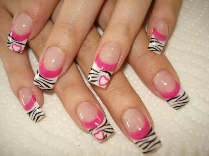 Nails animal print pink