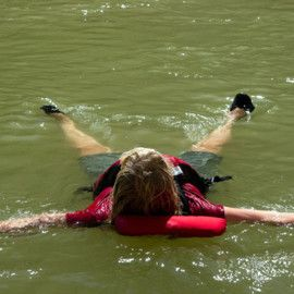 Women's Rafting & Yoga Holiday in Lodore Canyon - Cooling off in the water!