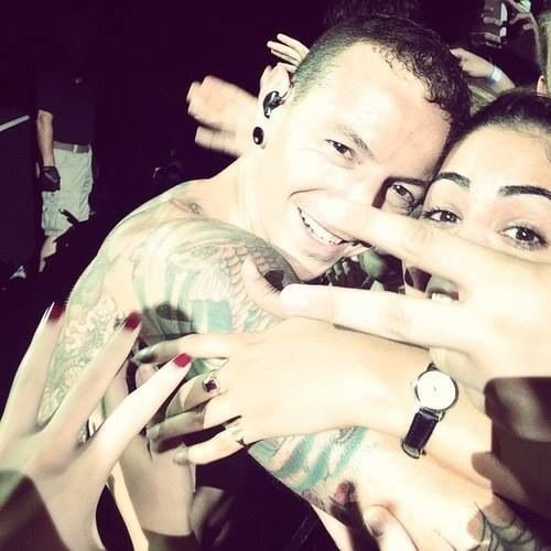 His smile is gorgeous. I severely need this to happen to me at my show :) #chesterbennington #linkinpark
