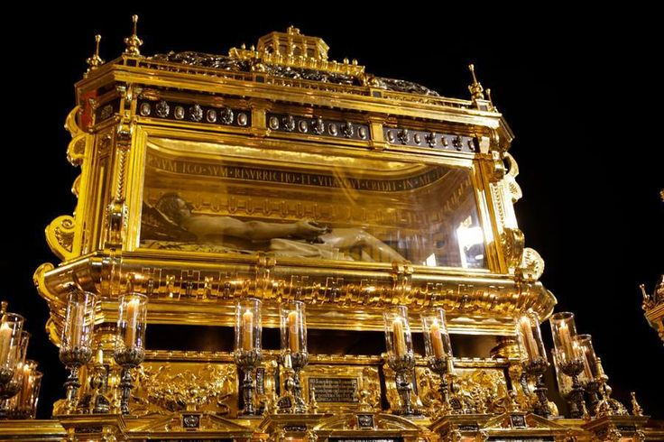 Viacrucis Magno del Año de la Fe   Hdad. Santo Sepulcro