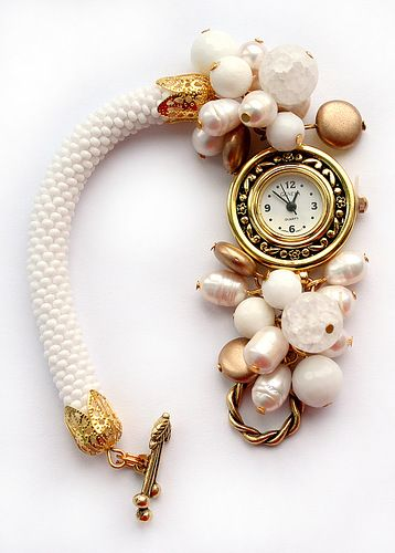 Bead crochet watch with pearls.