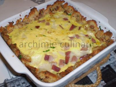 """archimie"" culinarie: Torta salata ""svuotafrigo"" con pane raffermo, salumi e formaggi...(ricetta step by step)."
