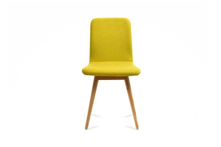 Deze te gekke stoelen binnenkort ook bij Woonn in allerlei verschillende soorten kleuren! http://www.woonn.nl/home/stoelen/eetkamerstoel-ena/55758