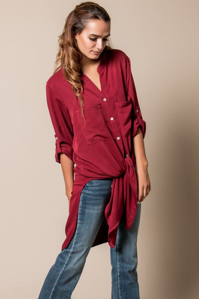 Burgundy Tie Front Long Shirt Μακρύ πουκάμισο σε μπορντό απόχρωση που δένει μπροστά. Τα μανίκια αυξομειώνονται.  Σύνθεση: 100% Viscose