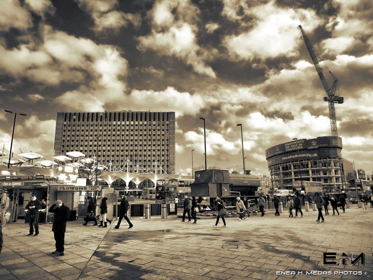 Bus Stop - Stratford by Enea H. Medas  on 500px