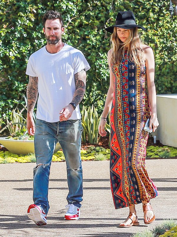 Baby on Board: Behati Prinsloo Shows Off Her Growing Bump While Out with Adam Levine http://celebritybabies.people.com/2016/03/28/behati-prinsloo-pregnant-baby-bump-adam-levine/