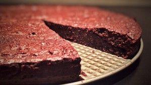 Snydepelsens svampede chokoladekage: Nem, hurtig og uden mel og sukker