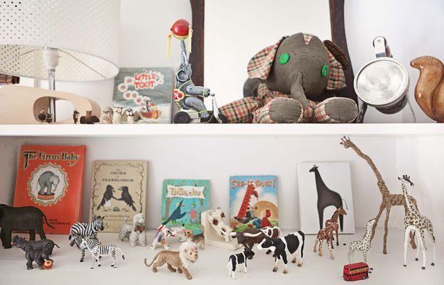 Vintage infused kid's room.: Ayden Rooms, My Childhood, Rooms Jacinda, Toys Display, Infused Kids, Deco Kids, Buggl Rooms, Animal, Kids Rooms