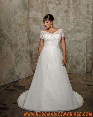 Robe élégante en satin et organdi ornée de dentelle et de broderies robe de mariée grande taille