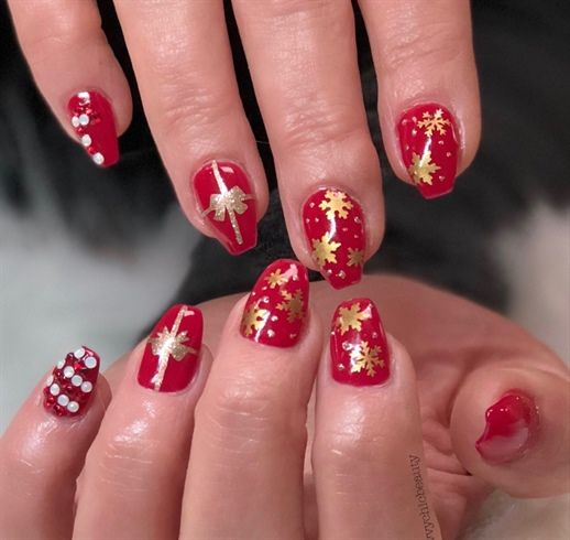 'Tis The Season by savvychicbeauty from Nail Art Gallery - 682 Best Christmas Nail Art Images On Pinterest Christmas Nail Art