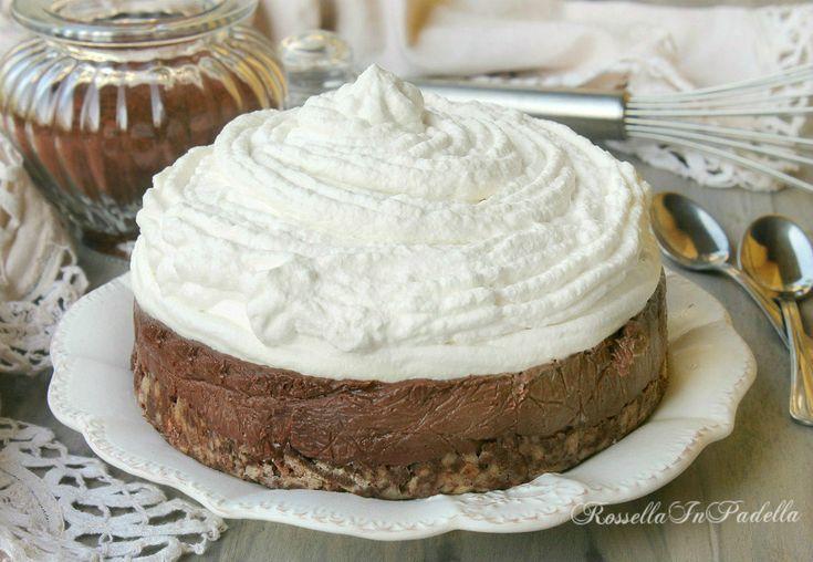Torta Milu', torta fredda panna e cioccolato. Base wafer sulla quale poggia una fresca crema budino al cioccolato, completata una morbida crema alla panna.
