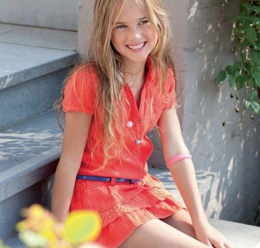 A través de una revista profesional, Textilia, hemos conocido esta marca de moda infantil y juvenil llamada Pauline B. La casa está afincada en...