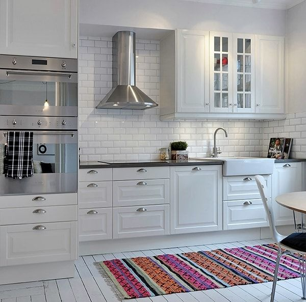 Pretty clean, vent into soffit, subway tile or brick backsplash and wall.
