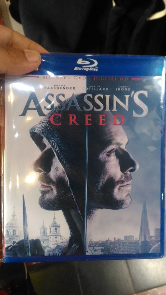 Assassin's Blu-Ray Disc Free Shipping !!