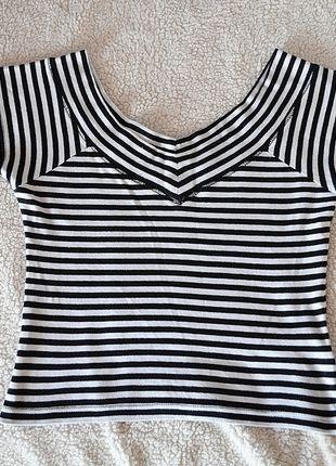 Kup mój przedmiot na #vintedpl http://www.vinted.pl/damska-odziez/bluzki-z-krotkimi-rekawami/13316504-top-bluzka-paski-bialo-czarna-idealna