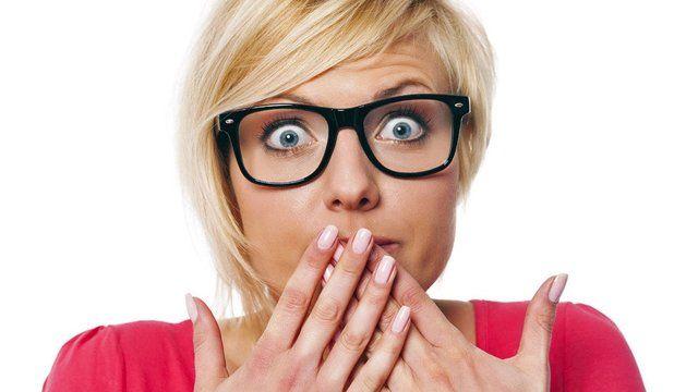 Tiky v oku, štikútavka či husia koža: Tieto signály tela znamenajú niečo iné, než si myslíte!