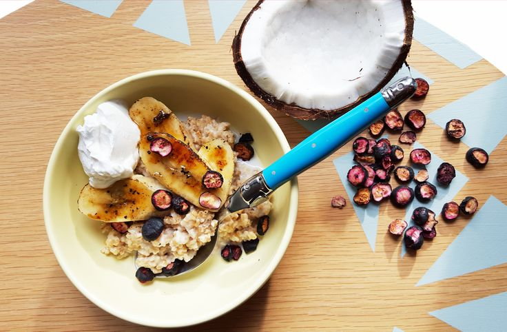 The Winter Island Escape Part III: Fireball Porridge (Caramelised Banana+Coconut+Blueberry Porridge) — Food Exotica