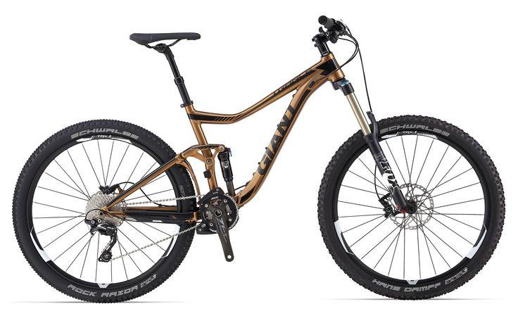 GIANT TRANCE SX 27.5 2014  Es la máquina definitiva para enduro y devorar senderos. En esta versión monta el cuadro de aluminio ALUXX SL-Grade de máxima resistencia, con amortiguador FOX CTD Evolution de 140mm y horquilla Fox 34 CTD Talas Evolution, con recorrido variable 160-140mm y eje pasante de 15mm con cierre rápido.PRECIO: 3199€  +INFO http://www.bikingpoint.es/bicicleta-giant-trance-sx-27-5-2014.html