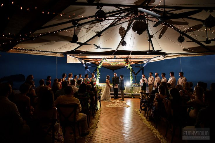 Wedding Photography Punto de Vista in Manuel Antonio, Costa Rica by FunkyTown Photographers