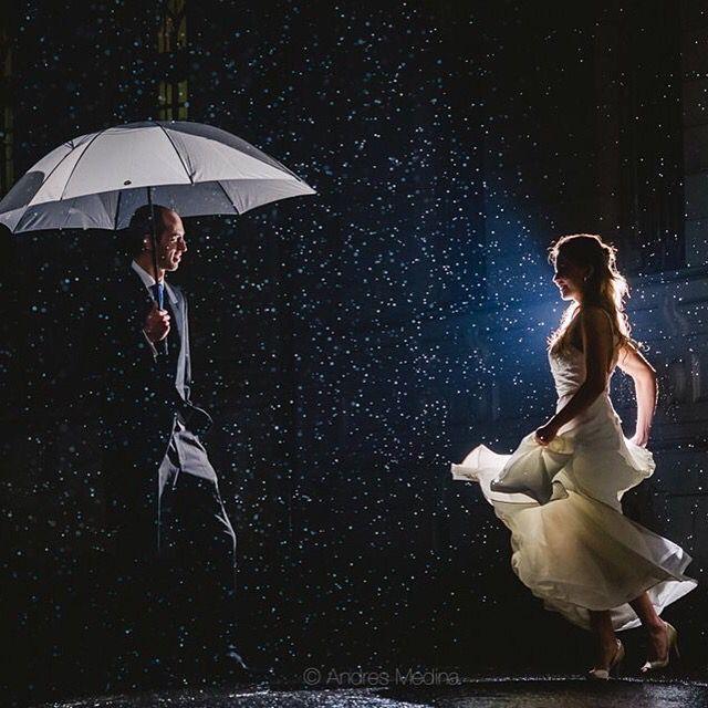 Barrio Concha y Toro #wedding #medina #andresmedina #pelaomedina #fotografo #rain #lluvia #chile