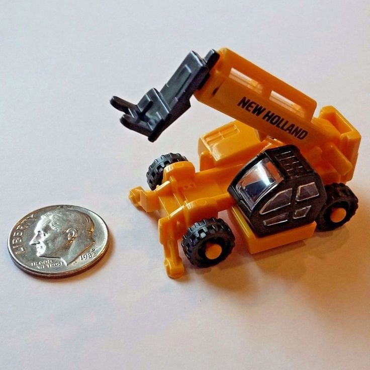 Miniature NEW HOLLAND Construction Mini WORK working Toy tractor Accessory  #NewHolland
