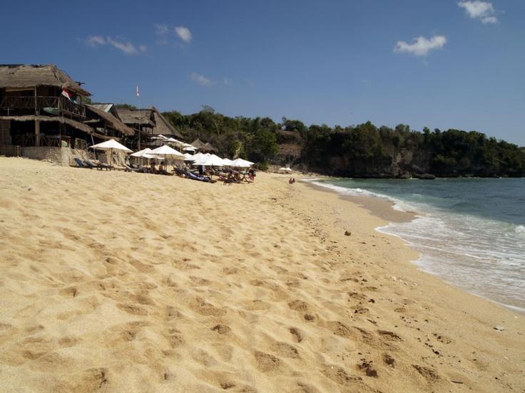Balangan beach  http://www.jimbaranvillas.balebali.com/review/balangan-beach.html