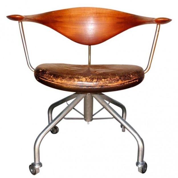 Wegner Swivel Chair