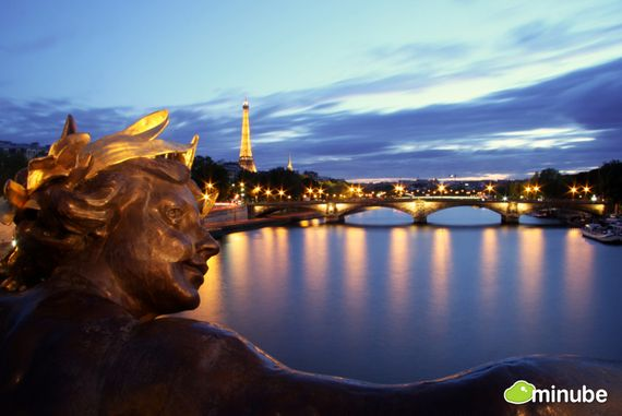 15) Paris, France: The City of Lights is the place to immerse yourself in breathtaking museums, enchanting squares, and tons of cafes. It's no wonder why it's considered to be the most romantic place on Earth! (Photo by Juan Z. Aranda)