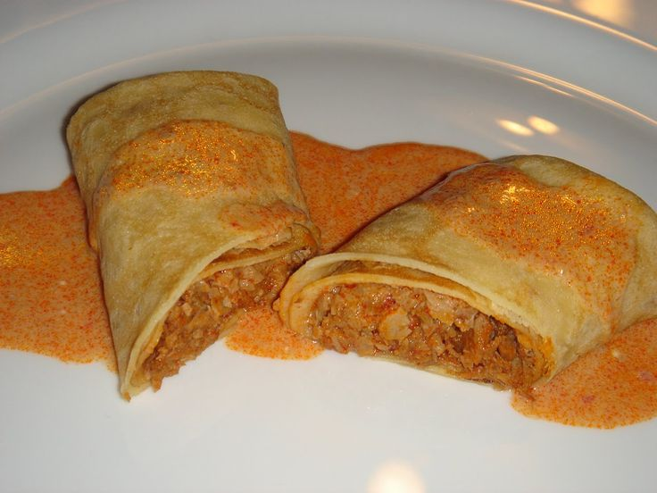 Hungary - food and drink - Crepes or thin pancakes with meet and paprika sauce (Hortobágyi Palacsinta)