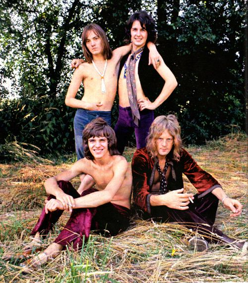 Humble Pie - Steve Marriott, Jerry Shirley, Peter Frampton, Greg Ridley (1969) a great outlet for the talents !!!